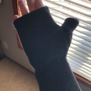 Other - NWOT Fingerless Cashmere Gloves